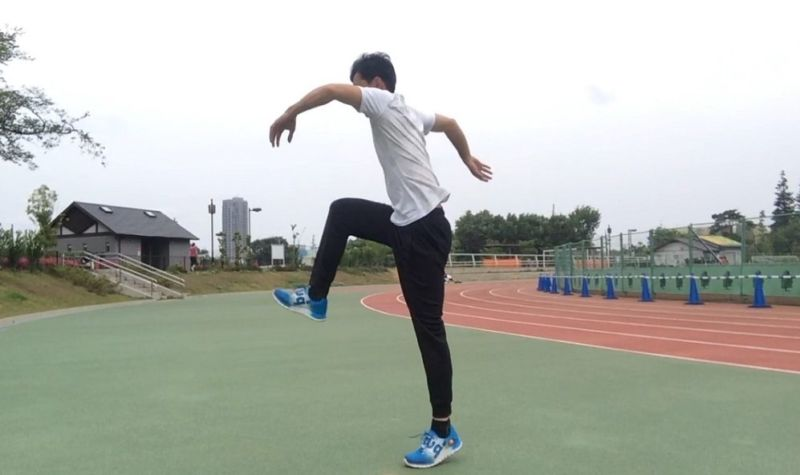 速く走るフォーム