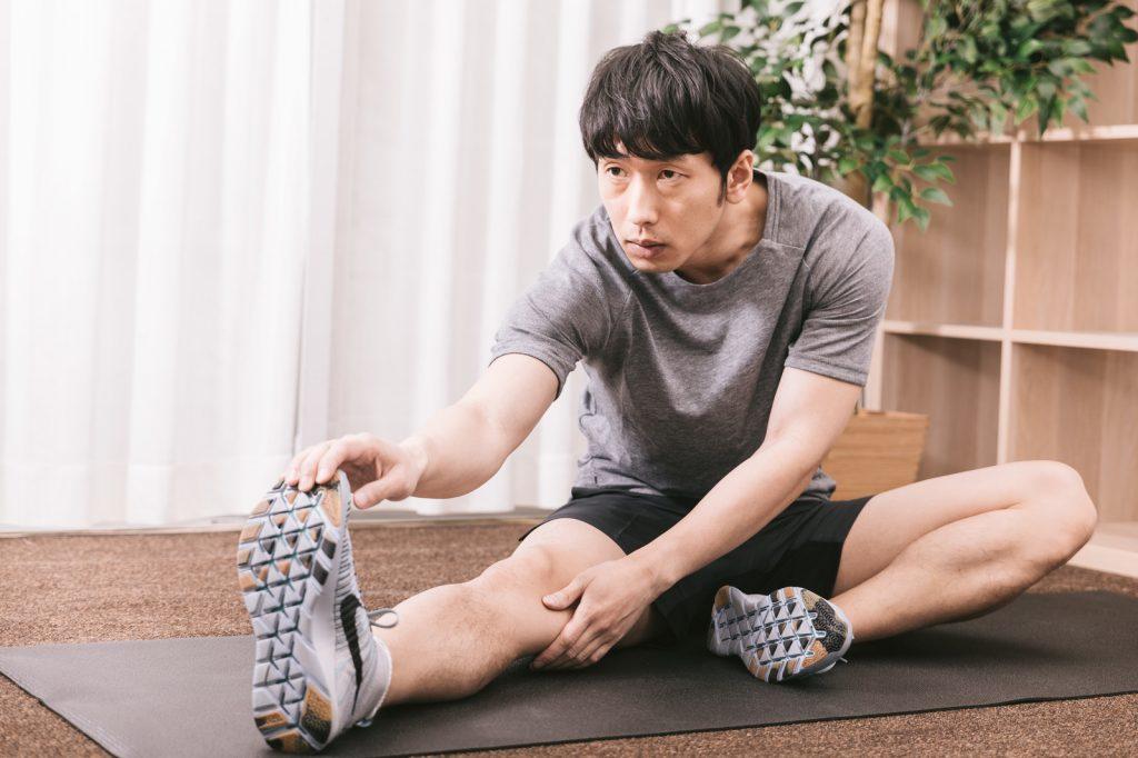 なぜ左だけ股関節が痛む?片側だけ股関節が痛くなってしまう人の原因とは