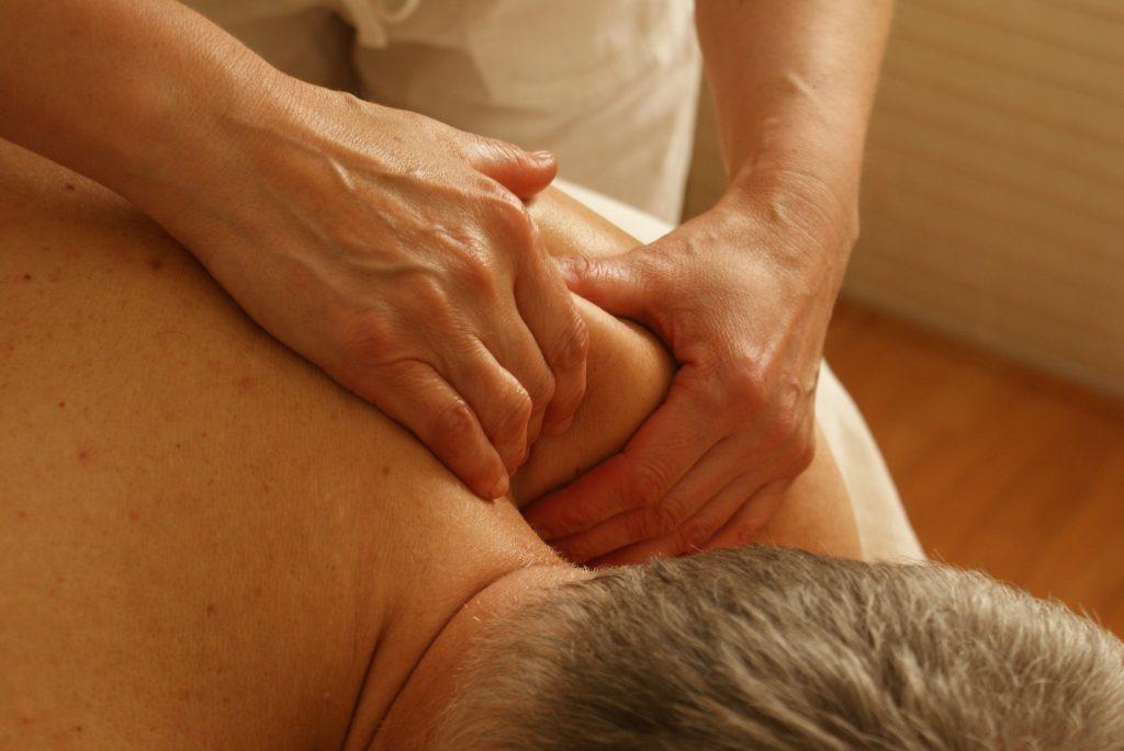 股関節の痛みや違和感に効果のあるツボ4選