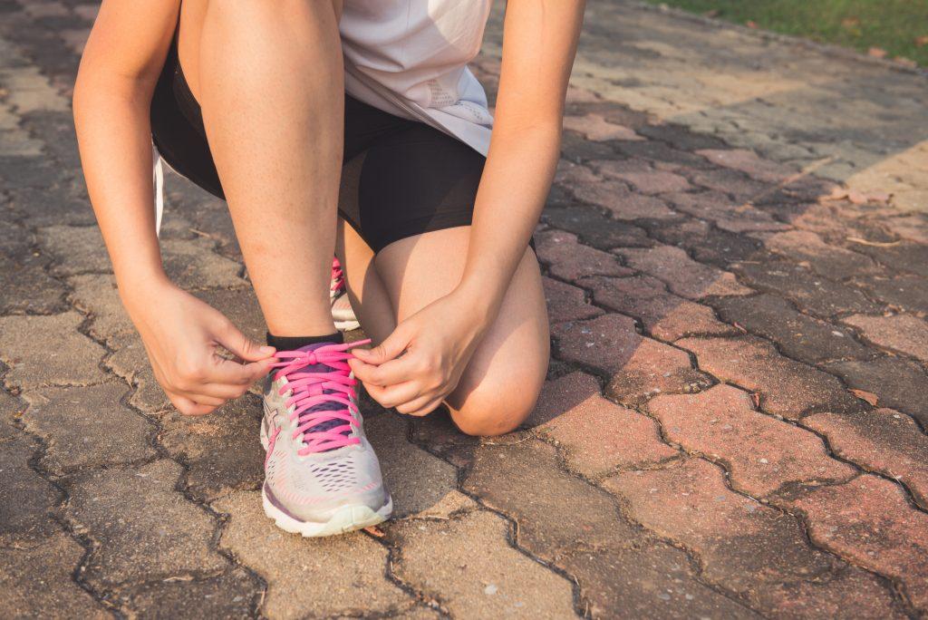 ランニングにおける股関節の痛みとその対処方法