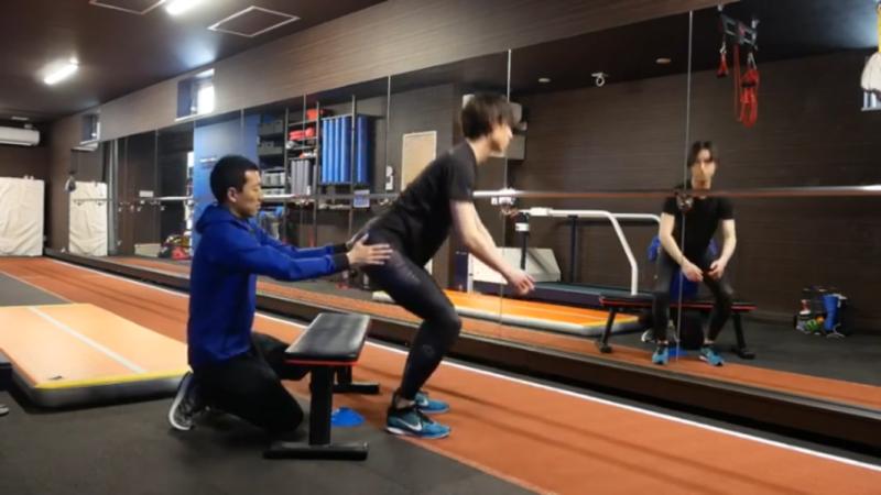 屈伸運動で足を速くする!一歩目が速くなる姿勢の作り方